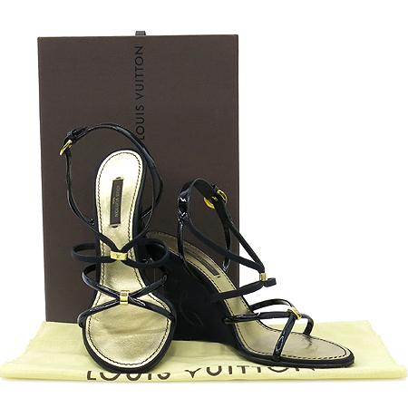 Louis Vuitton(루이비통) 블랙 페이던트 로고 스티치 웨지힐 샌들