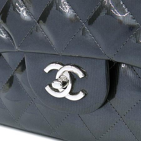 Chanel(샤넬) A58600Y07737 그레이 페이던트 클래식 점보 사이즈 은장 체인 숄더백 [압구정매장]