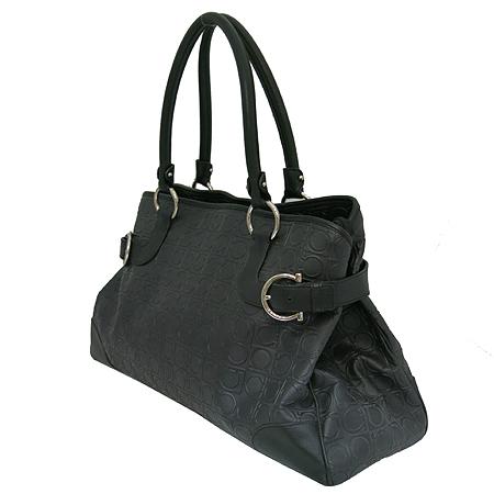 Ferragamo(페라가모) 21-4906 블랙 간치니 레더 은장 장식 숄더백 [일산매장]