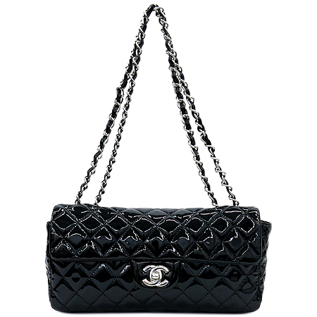 Chanel(샤넬) 블랙 페이던트 클래식 S사이즈 은장 체인 숄더백