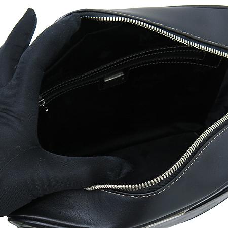 MCM(엠씨엠) 1002080040309  은장 로고 플레이트 블랙 레더 메신저 크로스백