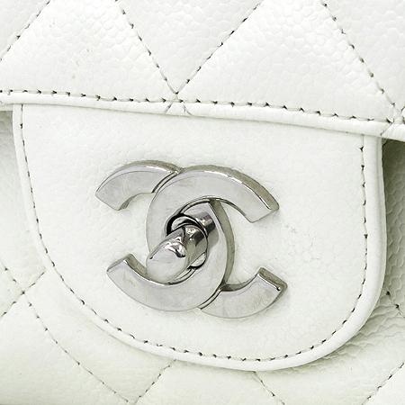 Chanel(샤넬) A28600 캐비어 스킨 화이트 클래식 점보 L사이즈 은장로고 체인 숄더백