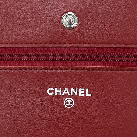 Chanel(샤넬) 2.55 WOC(월릿 온 체인) 소프트 카프스킨 레드퀼팅 은장로고 체인 클러치 겸 크로스백[부천 현대점]