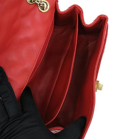 Chanel(샤넬) 2.55 페이던트 레드 금장로고 체인 숄더백 이미지5 - 고이비토 중고명품