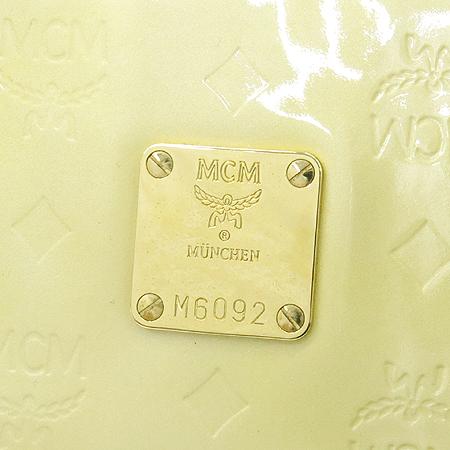MCM(엠씨엠) 1010C93021509 금장 로고 페이던트 쇼퍼 숄더백