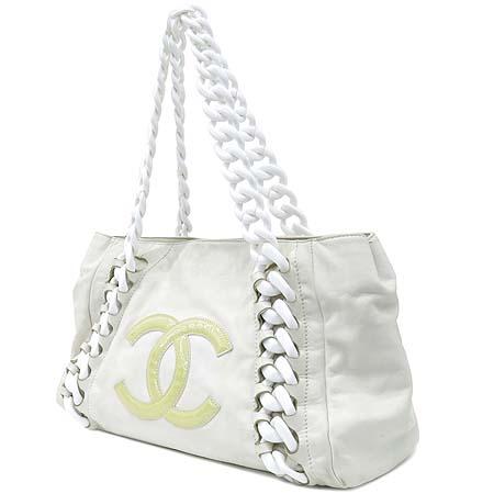 Chanel(샤넬) 럭셔리바이 화이트레더 애나멜 로고스티치 플라스틱 체인 숄더백 이미지3 - 고이비토 중고명품