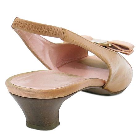 Ferragamo(페라가모) 핑크 페이던트 금장로고 바라장식 슬링백 여성용 샌들 [강남본점] 이미지4 - 고이비토 중고명품
