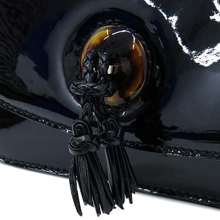 TOMFORD(톰포드) 블랙 페이던트 포니 헤어 스트랩 숄더백 이미지4 - 고이비토 중고명품
