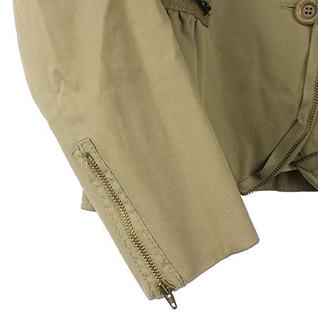 Moschino(모스키노) 베이지 컬러 지퍼장식 자켓