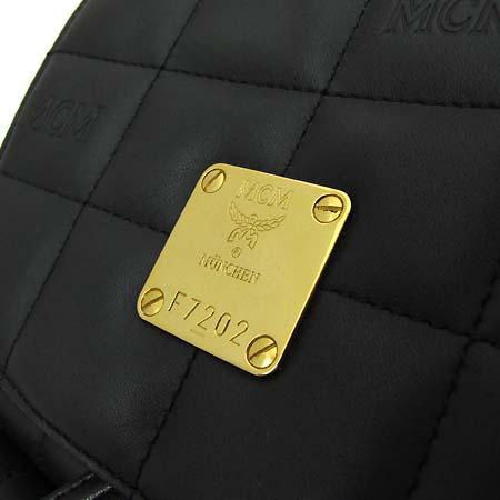 MCM(엠씨엠) 블랙 레더 퀄팅 금장로고 장식 백팩 [부천 현대점]