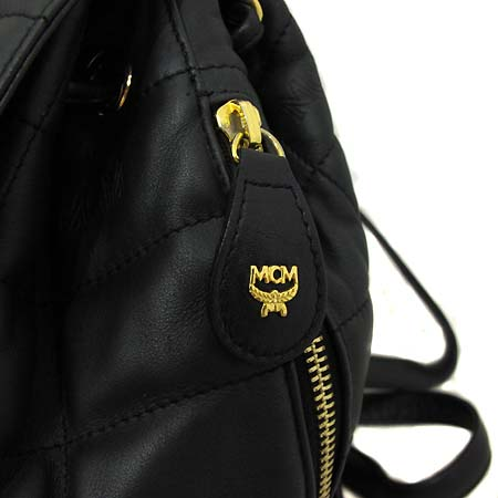 MCM(엠씨엠) 블랙 레더 퀄팅 금장로고 장식 백팩 [부천 현대점] 이미지4 - 고이비토 중고명품