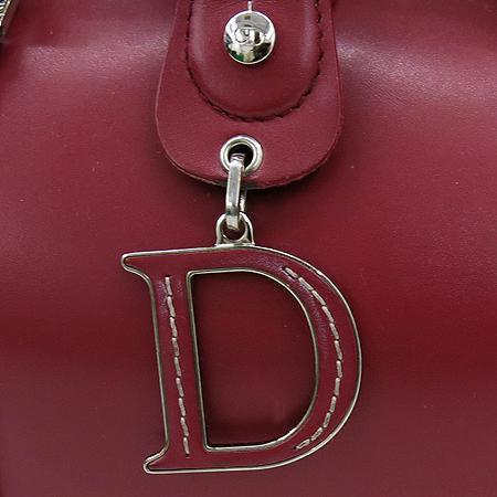 Dior(크리스챤디올) 레드 레더 D 로고 장식 닥터 토트 백
