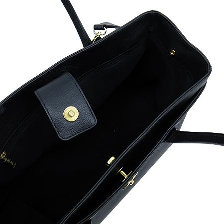 Chanel(샤넬) A15206Y01570 캐비어 스킨 금장 COCO로고 서프 토트백 + 숄더 스트랩 [부천 현대점] 이미지7 - 고이비토 중고명품