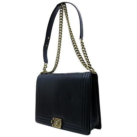 Chanel(샤넬) AA66711Y07357 블랙 램스킨 보이 금장 체인 숄더백 [부천 현대점]