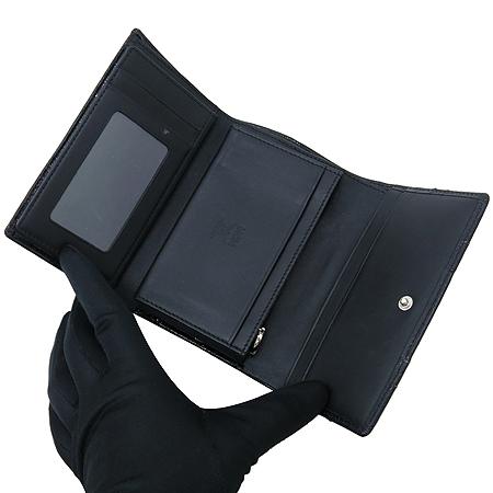 MCM(엠씨엠) 1032 090080 322블랙 레더 비세토스 은장 로고 장식 중지갑