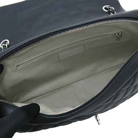 Chanel(샤넬) A67742Y30856 캐비어 스킨 블랙 CC 크레이브 은장로고 체인 숄더백 [명동매장]