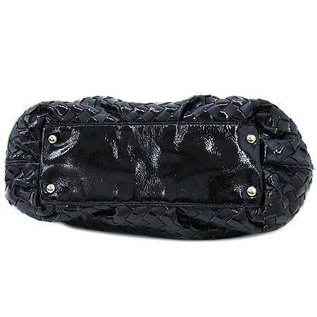 MICHAELKORS(마이클 코어스) 블랙 페이던트 레더 혼방 위빙 금장 로고 장식 숄더백