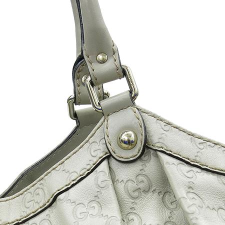 Gucci(구찌) 211943 금장 인터로킹 장식 GG 로고 시마 레더 수키 숄더백