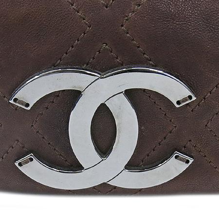 Chanel(샤넬) 브라운레더 스티치 정방 은장로고 체인 숄더백 이미지4 - 고이비토 중고명품