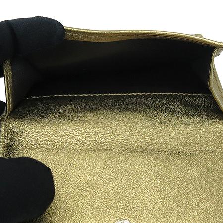 Gucci(구찌) 181896 골드 메탈릭 이니셜 GG로고 PVC 레더 중지갑 [명동매장]