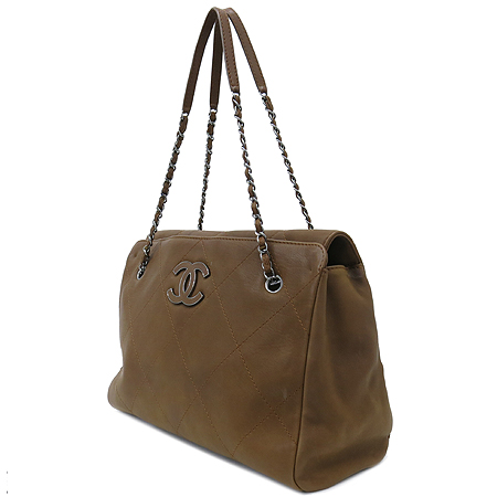 Chanel(샤넬) 브라운 레더 퀼팅 COCO 로고 은장 체인 숄더백