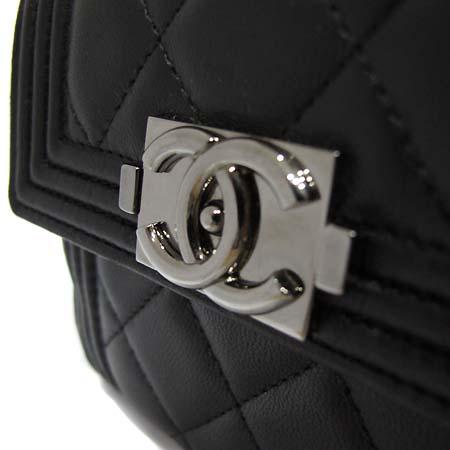 Chanel(샤넬) A68728 보이샤넬 램스킨 중지갑 [부천 현대점]