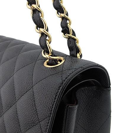 Chanel(샤넬) A28600Y01588 캐비어 스킨 클래식 점보 사이즈 금장 체인 숄더백 [미아현대매장] 이미지4 - 고이비토 중고명품