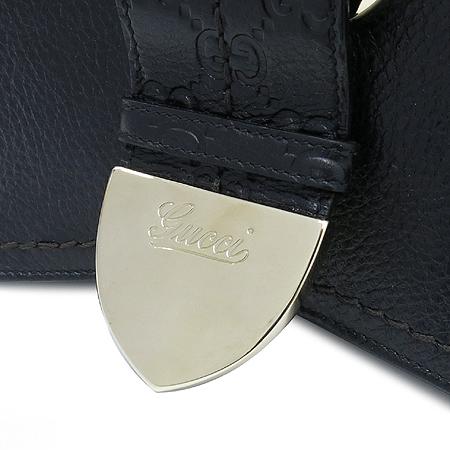 Gucci(구찌) 181512 GG로고 블랙레더 금장 벨트장식 숄더백