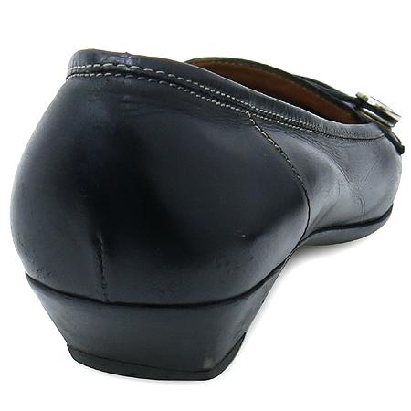 Ferragamo(페라가모) 블랙레더 은장 간치노 여성용구두 이미지4 - 고이비토 중고명품