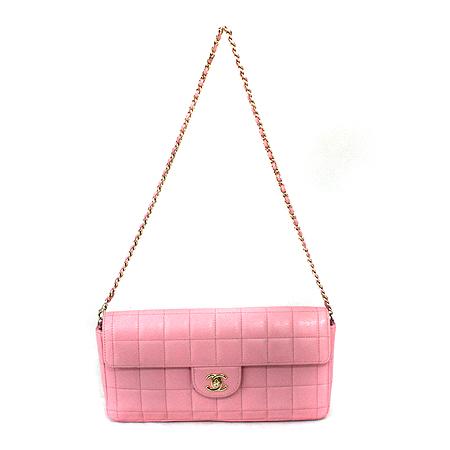 Chanel(샤넬) 금장 로고 핑크 레더 초코바 체인 숄더백 [명동매장]