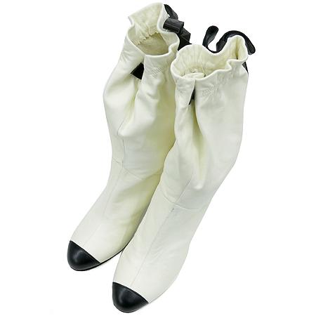 Chanel(샤넬) 화이트 레더 리본장식 여성용 부츠 [압구정매장]