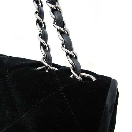Chanel(샤넬) 클래식 벨벳 S사이즈 은장체인 숄더백 [부천 현대점] 이미지4 - 고이비토 중고명품