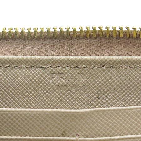 Prada(프라다) 1M1183 SAFFIANO METAL CAMMEO 사피아노 메탈 소프트 핑크 금장로고 짚업 장지갑 이미지6 - 고이비토 중고명품