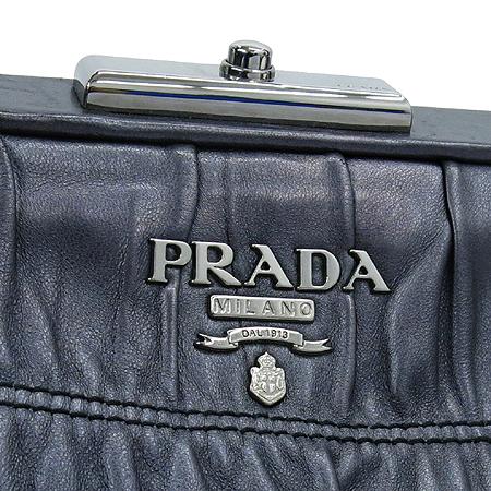 Prada(프라다) BN1637 NAPPA(양가죽) GAUFRE(고프레) 실버 메탈 로고 토트백