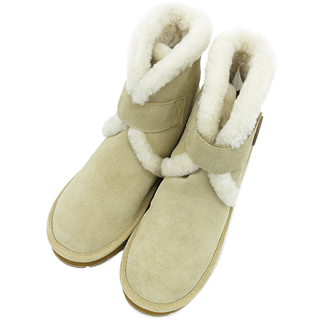 MICHAELKORS(마이클코어스) 40F2WIFE5S 스웨이드 레더 벨크로 로고 장식 어그 부츠