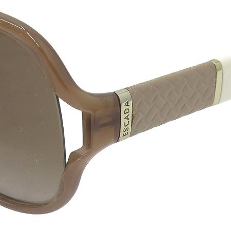 Escada(에스까다) SES 244 측면 로고 장식 뿔테 선글라스 이미지5 - 고이비토 중고명품