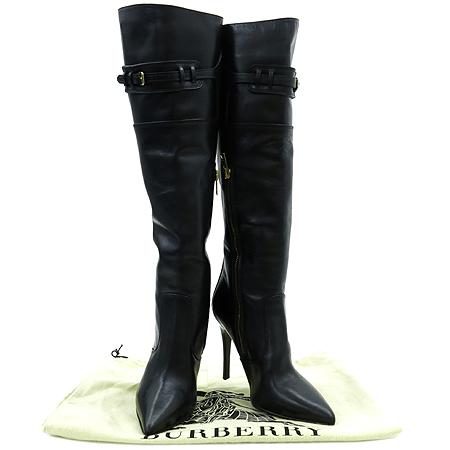 Burberry(버버리) 블랙레더 금장 벨트장식 짚업 여성용부츠
