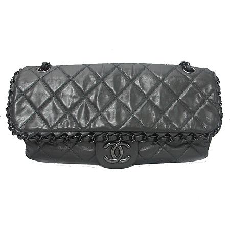 Chanel(샤넬) 시즌 한정판 CHAIN ME(체인 미) 그레이 컬러 블랙 체인 숄더백 이미지2 - 고이비토 중고명품