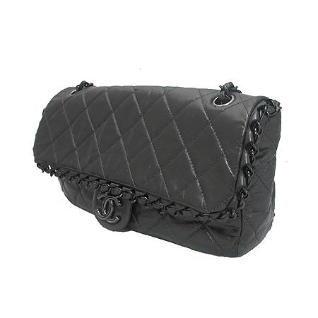Chanel(샤넬) 시즌 한정판 CHAIN ME(체인 미) 그레이 컬러 블랙 체인 숄더백 이미지3 - 고이비토 중고명품