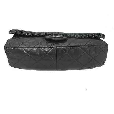 Chanel(샤넬) 시즌 한정판 CHAIN ME(체인 미) 그레이 컬러 블랙 체인 숄더백 이미지4 - 고이비토 중고명품