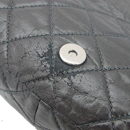 Chanel(샤넬) 시즌 한정판 CHAIN ME(체인 미) 그레이 컬러 블랙 체인 숄더백 이미지5 - 고이비토 중고명품