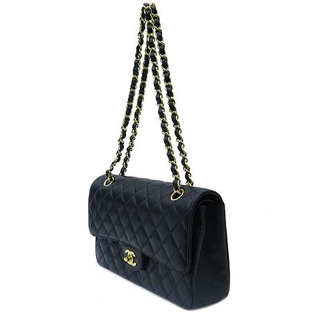 Chanel(샤넬) A0112Y01864 캐비어스킨 클래식 M 사이즈 금장 체인 숄더백 이미지3 - 고이비토 중고명품