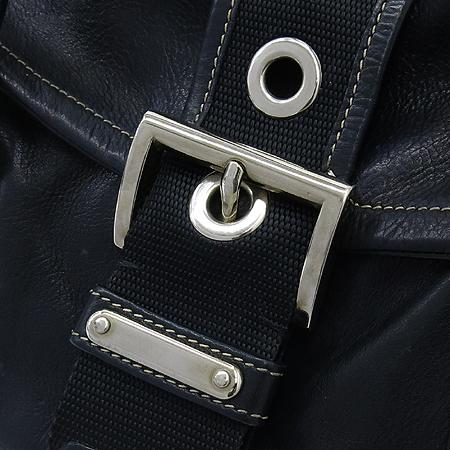 Prada(프라다) SOFT CALF 블랙 레더 벨트 장식 숄더백