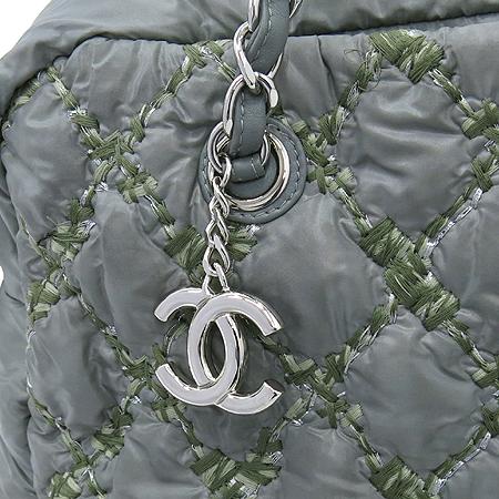 Chanel(샤넬) A50632 투톤스티치 그레이 나일론 마트라쎄 은장 COCO 로고 체인 숄더백 [강남본점] 이미지4 - 고이비토 중고명품