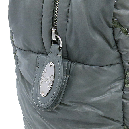 Chanel(샤넬) A50632 투톤스티치 그레이 나일론 마트라쎄 은장 COCO 로고 체인 숄더백 [강남본점] 이미지5 - 고이비토 중고명품