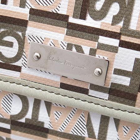 Ferragamo(페라가모) 22 A217 이니셜 로고 패턴 PVC 파우치 숄더백
