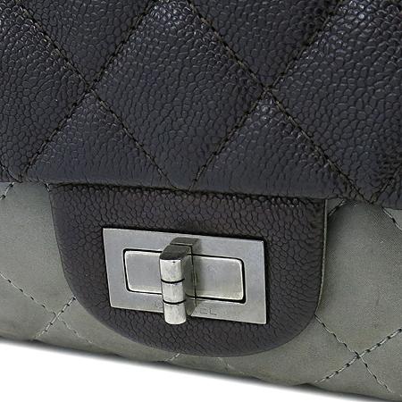 Chanel(샤넬) 2.55 캐비어 램스킨 더블컬러 L 사이즈 빈티지 은장 체인 숄더백 [강남본점] 이미지3 - 고이비토 중고명품