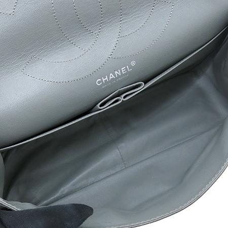 Chanel(샤넬) 2.55 캐비어 램스킨 더블컬러 L 사이즈 빈티지 은장 체인 숄더백 [강남본점] 이미지5 - 고이비토 중고명품