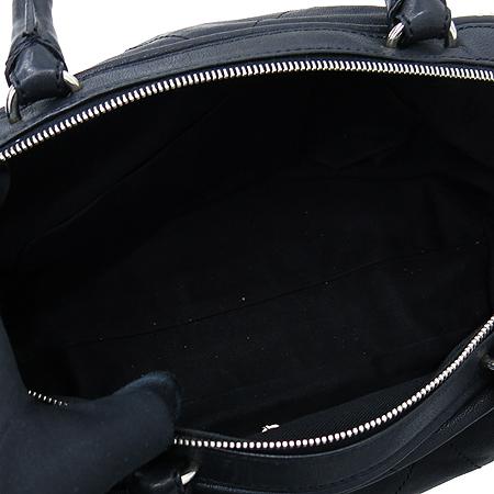 Chanel(샤넬) 블랙 컬러 레더 볼링 토트백 [인천점] 이미지5 - 고이비토 중고명품