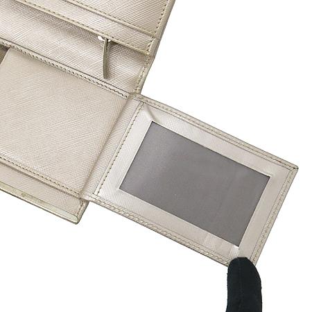 Ferragamo(페라가모) 22 4633 메탈릭 사피아노 은장 로고 장지갑 [대구황금점] 이미지4 - 고이비토 중고명품